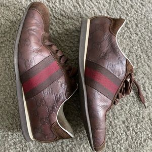 Authentic GUCCI leather sneakers